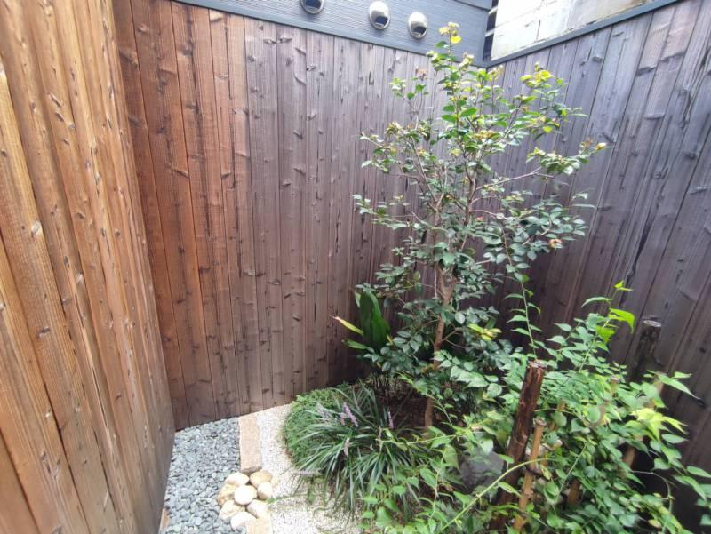 【京都市一軒貸切|町屋ホテル】染 SEN 大宮五条 お庭をきれいにしました。
