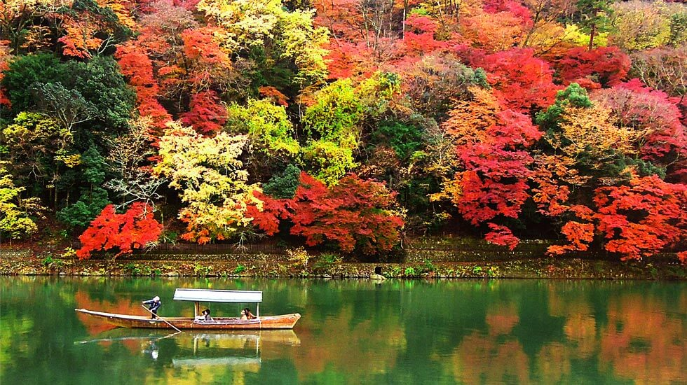 Go sightseeing in Kyoto for a more dramatic trip